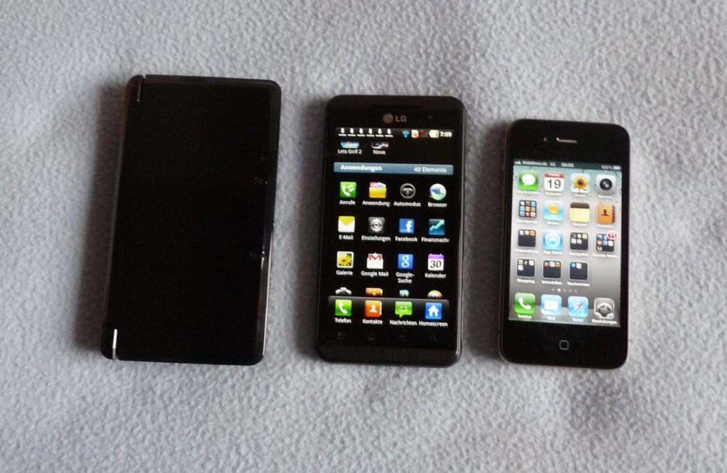 Und noch ein Größenvergleich. Der 4,3 Zoll große Display des LG eignet sich gut zum Spielen.